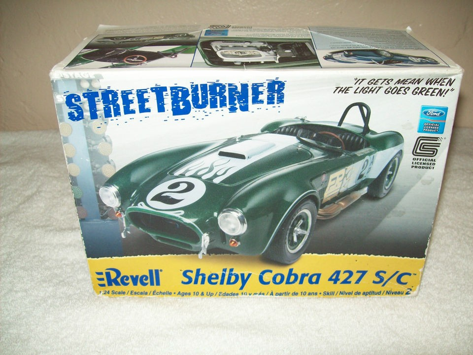 Revell Ford Shelby Cobra 427 S/C 124 Scale Street Burner Model Car